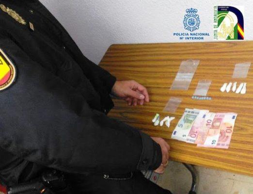Droga intervenida por la policía