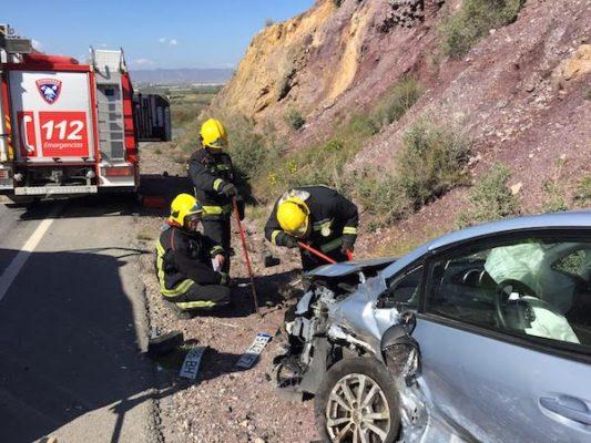 Bomberos del Levante actúa a los pocos minutos de producirse el accidente