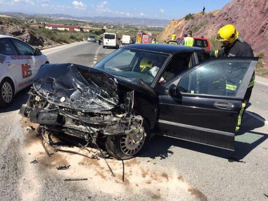 Colisión de dos vehículos en la carretera de Garrucha