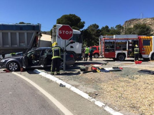 Bomberos del Levante intervienen en tres accidentes de tráfico en Albox y Garrucha