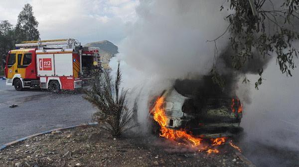 El vehículo circuló en llamas  al menos 60 metros