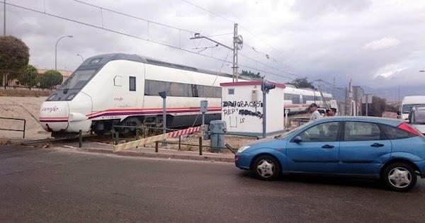 Paso tren por El Puche