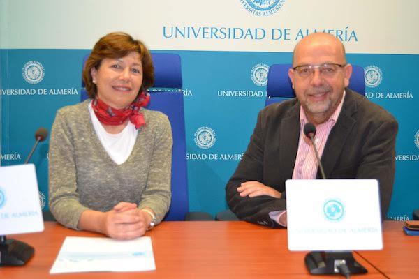 Representantes de la UAL en la presentación de la Feria de las Naciones