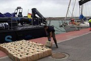 Interceptado un velero con 12 toneladas de hachís en aguas de Almería
