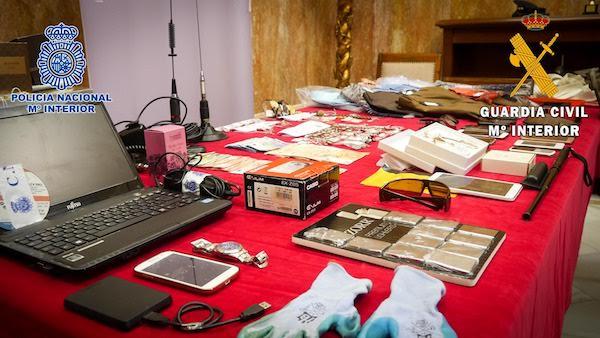 Algunos de los objetos robados que han sido intervenidos en la operación