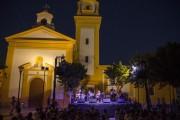 El amor a Juan Goytisolo llena la Plaza de San Roque de La Chanca