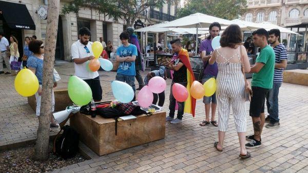 almeria con orgullo lgbti+ en Puerta Purchena