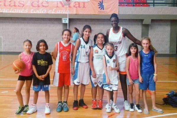 Lola Pendande, baloncesto