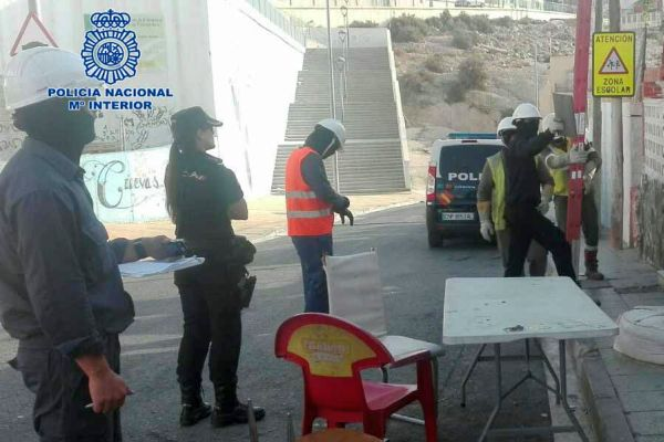 Enganches ilegales, policia