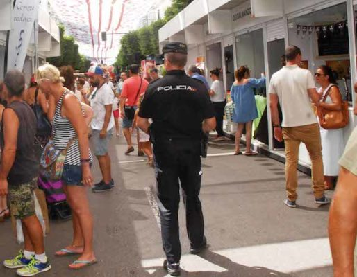 Policia en Feria