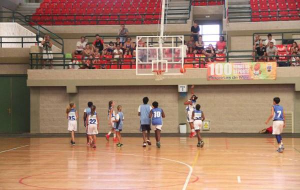 La cantera del baloncesto se cita en Roquetas