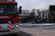 Extinguido el incendio de una nave en el puerto pesquero de Carboneras