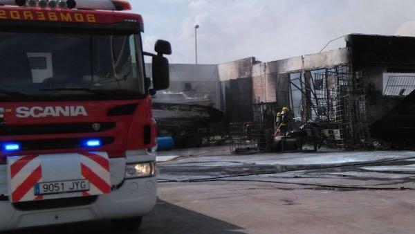 Incendio puerto de Carboneras