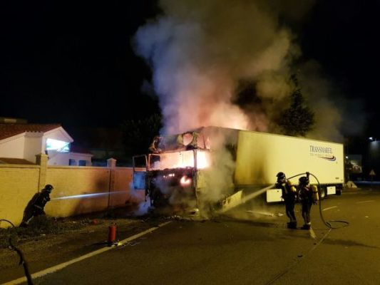 17-10-2017 Bomberos incendio camión 1