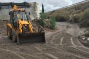 Adra recupera los caminos rurales tras las lluvias torrenciales del miércoles