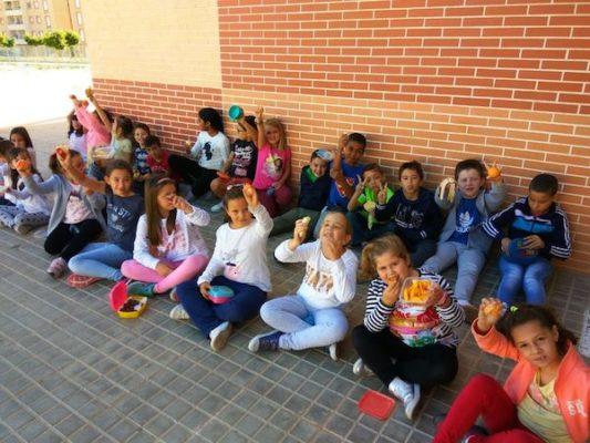 La fruta, protagonista en la dieta diaria de los niños y niñas de Vícar