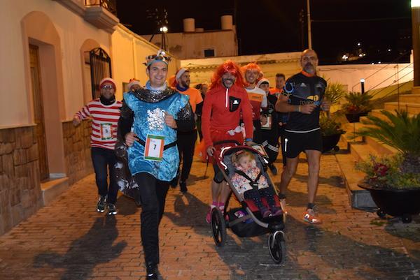 Los participantes han corrido la prueba luciendo originales disfraces