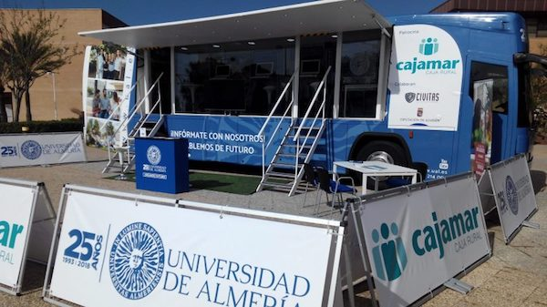 Bus UAL itinerante