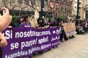 Varios cientos de almerienses salen a la calle indignados con la sentencia de La Manada