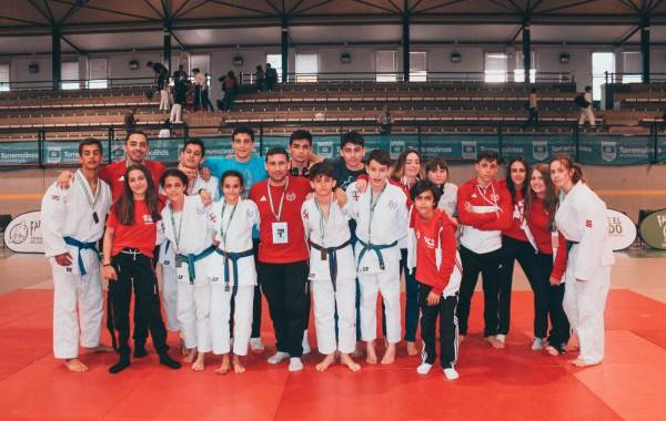 Medallas para los judocas de la EMD Mytos