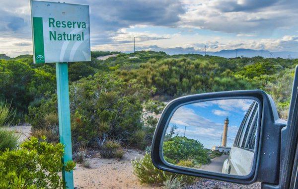 Medio Ambiente premia a uno de sus agentes por una foto del Faro de Punta Entinas-Sabinar
