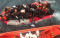 El número de inmigrantes rescatados hoy de pateras en aguas de Alborán asciende a 152