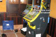 Detenidas cuatro personas por robar en máquinas tragaperras de Roquetas de Mar