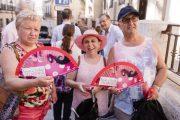Almería reparte 25.000 abanicos de Feria hasta el viernes 17