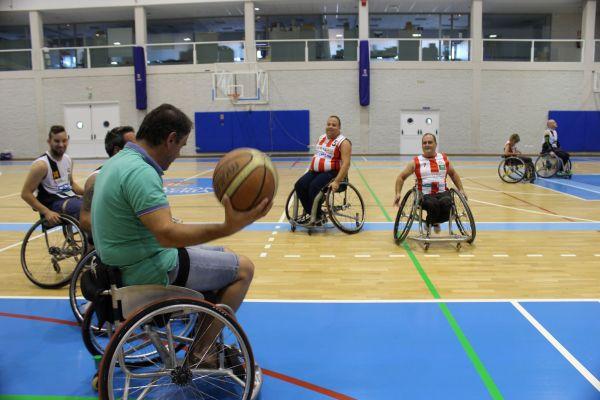 El baloncesto en silla de ruedas presente en la feria de almer a almer a 360 - Baloncesto silla de ruedas ...