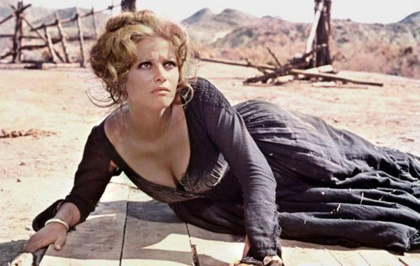 Claudia Cardinale, premiada por el Almería Western Film Festival