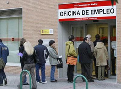 Rajoy se desentiende de los parados
