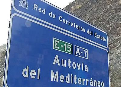 Cortada al tráfico la autovía A-7 a la altura de El Ejido por el vuelco de un camión