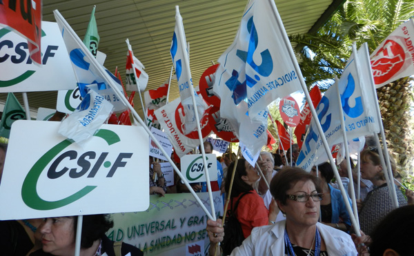 Los sindicatos se han unido contra los recortes en el sistema sanitario plateados por el Gobierno