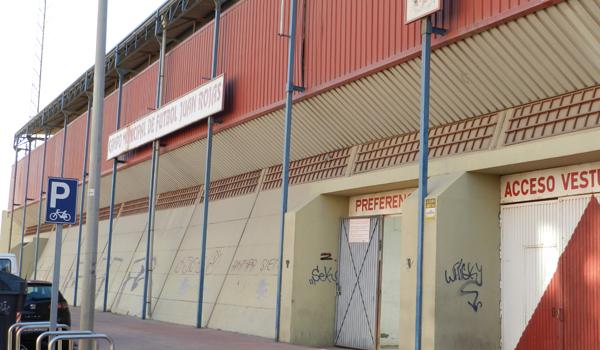 El Estadio Juan Rojas podría acoger el partido de vuelta entre la AD Huércal y el Linares Deportivo por una plaza en Tercera División