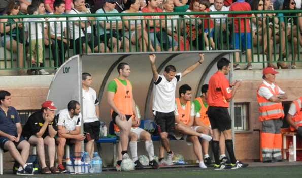 El técnico de la AD Huércal fue jugador y entrenador también del Poli Almería
