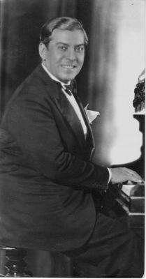 José Padilla al piano