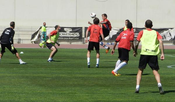 El centrocampista de la UD Almería tiene el alta médica y supera su rotura de ligamento