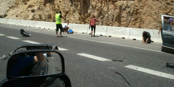 Aparatoso accidente múltiple con cinco coches implicados en plena Operación Paso del Estrecho