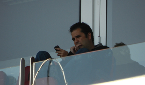El director deportivo del Almería sigue con detenimiento los detalles del club y el mercado