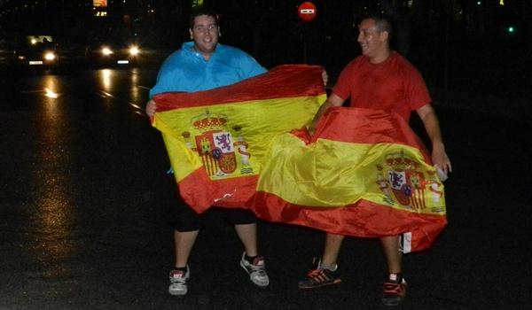 Las banderas de España se han apoderado de Almería durante gran parte de la noche