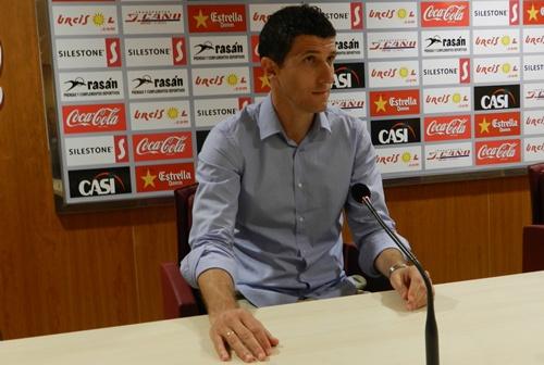 La trayectoria del nuevo entrenador de la UD Almería le ha llevado por el Pontevedra, el Cádiz, el Villarreal y por la liga griega