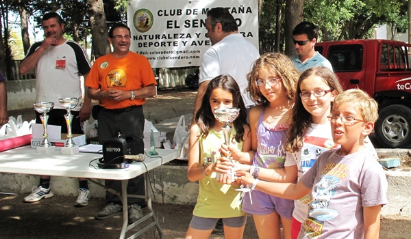 La Escuela Municipal de Montañismo de Almería recoge sus frutos en la Travesía de Granada