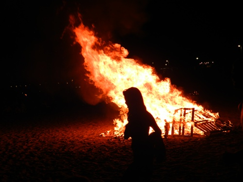 Níjar prohibe quemar palés en la noche de San Juan