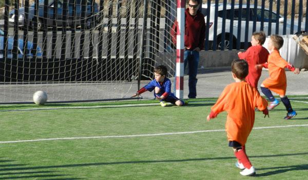 La UD Pavía ha organizado su Escuela de Fútbol otra temporada más, dando participación a los más pequeños de 4 años