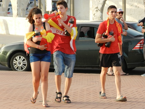 Las pasiones de la noche de San Juan se multiplicaron en Almería por culpa de 'La Roja'