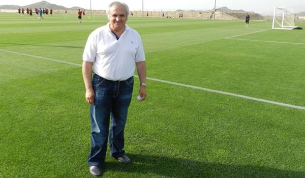 El presidente de la UD Almería visita a su equipo en la concentración que realiza en Desert Springs (Cuevas del Almanzora, Almería, España)