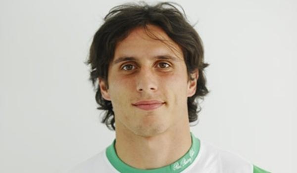 El jugador santanderino se desvincula del Racing de Santander para jugar en la UD Almería