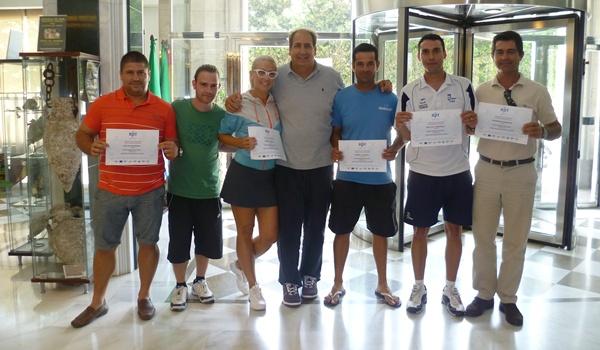El mejor profesor de tenis del mundo, Luis Mediero, ha dado un curso en El Ejido