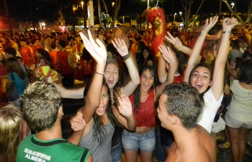 Alegría a raudales de los almerienses con el triunfo en la Eurocopa
