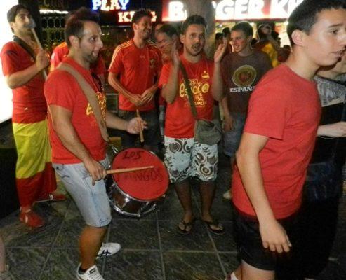 El ritmo en las calles de Almería ha seguido el de toda España con el triunfo de 'La Roja'